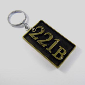 Přívěsek na klíče 221B