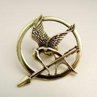 Odznak Mockingjay, staromosaz